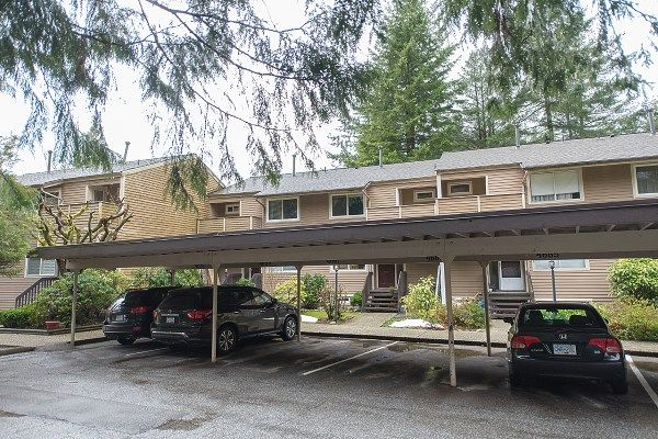 "Main Photo: 4663 HOSKINS Road in North Vancouver: Lynn Valley Townhouse for sale in ""Yorkwood Hills"" : MLS®# R2247524"