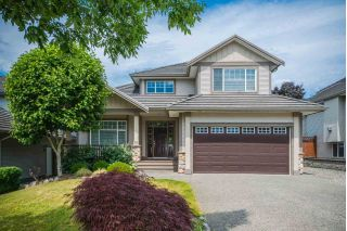 Main Photo: 18271 CLAYTONWOOD Crescent in Surrey: Cloverdale BC House for sale (Cloverdale)  : MLS®# R2282282