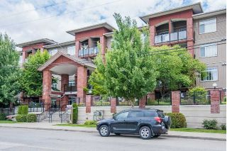 Main Photo: 408 5516 198 Street in Langley: Langley City Condo for sale : MLS®# R2284036