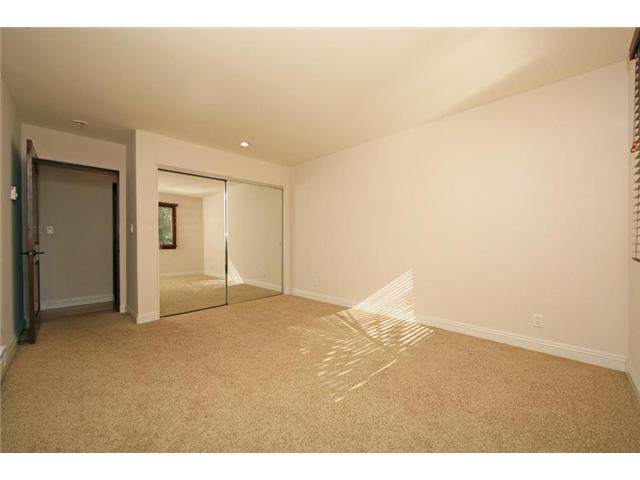 Photo 5: LA JOLLA Home for sale or rent : 2 bedrooms : 410 Pearl #2C