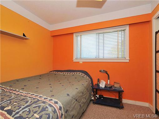 Photo 12: 2415 Oregon Avenue in VICTORIA: Vi Fernwood Single Family Detached for sale (Victoria)  : MLS(r) # 330929