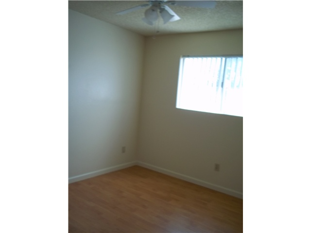 Photo 9: IMPERIAL BEACH Home for sale or rent : 2 bedrooms : 930 Ebony #A