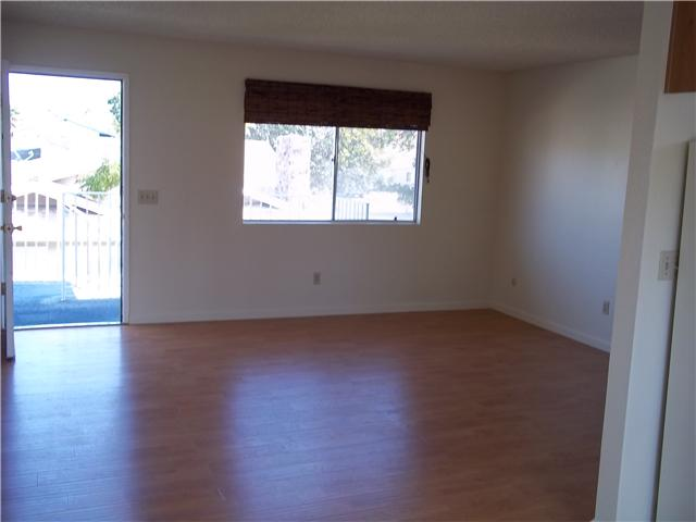 Photo 6: IMPERIAL BEACH Home for sale or rent : 2 bedrooms : 930 Ebony #A