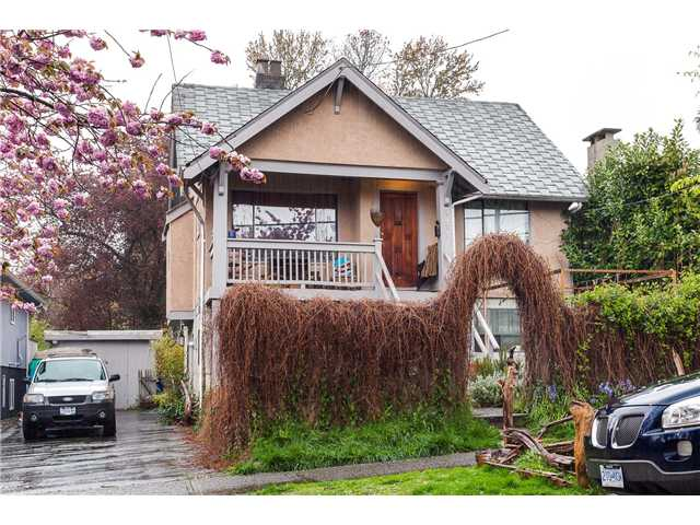 Main Photo: 2021 CHARLES Street in Vancouver: Grandview VE House for sale (Vancouver East)  : MLS® # V1116626