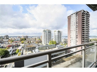 Main Photo: 1405 121 W 15TH Street in North Vancouver: Central Lonsdale Condo for sale : MLS® # V1134854