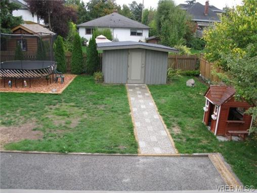 Photo 18: 1737 Kings Road in VICTORIA: Vi Jubilee Single Family Detached for sale (Victoria)  : MLS® # 356538