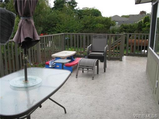 Photo 15: 1737 Kings Road in VICTORIA: Vi Jubilee Single Family Detached for sale (Victoria)  : MLS® # 356538