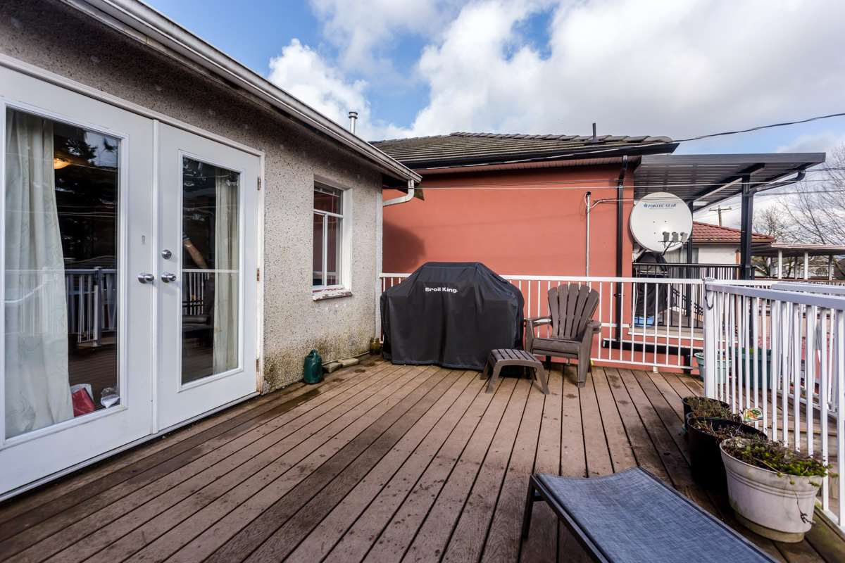 Photo 18: 4358 VICTORIA Drive in Vancouver: Victoria VE House for sale (Vancouver East)  : MLS® # R2037719