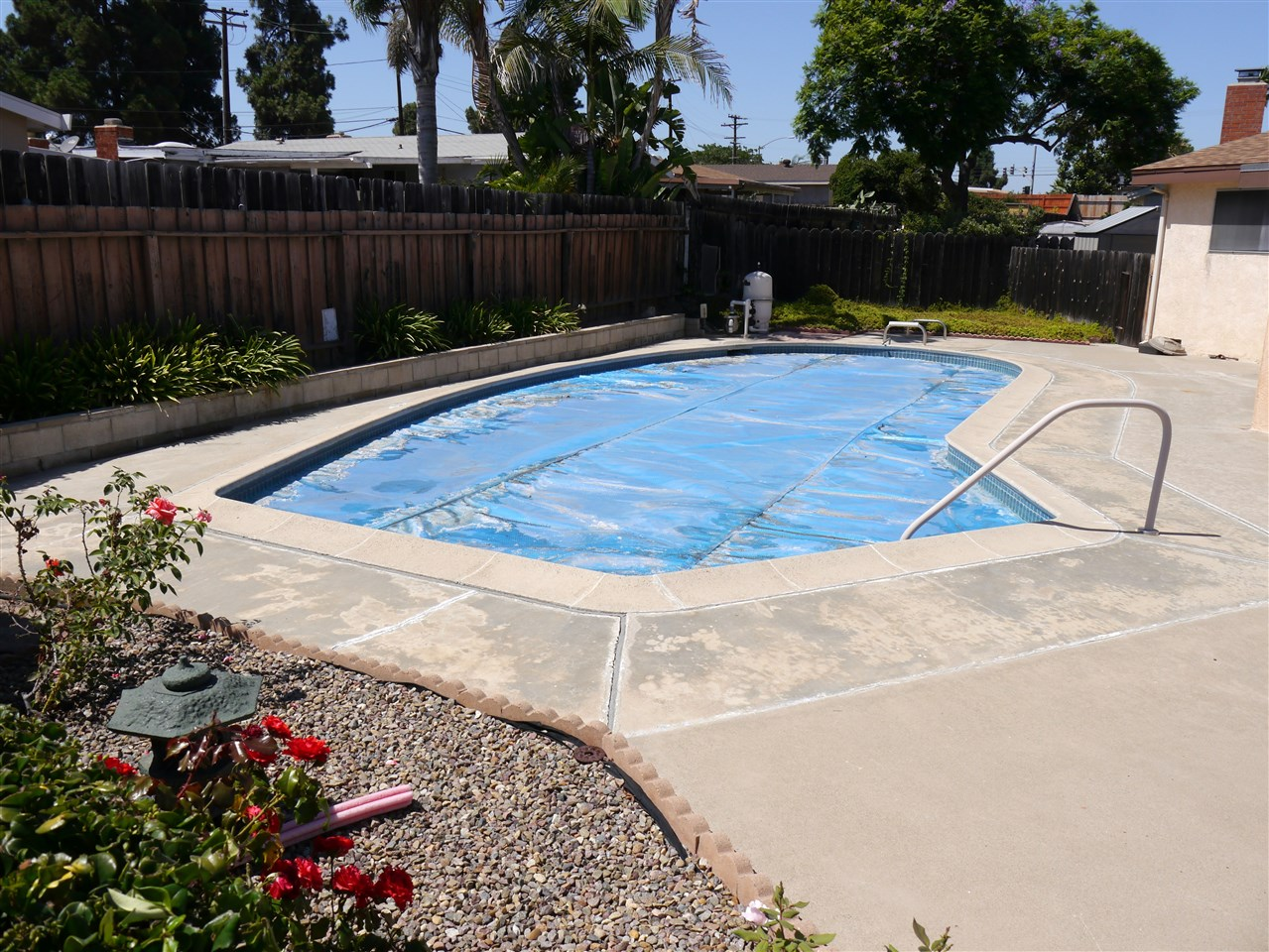 Photo 8: CLAIREMONT House for sale : 3 bedrooms : 7065 Cosmo Ct. in San Diego