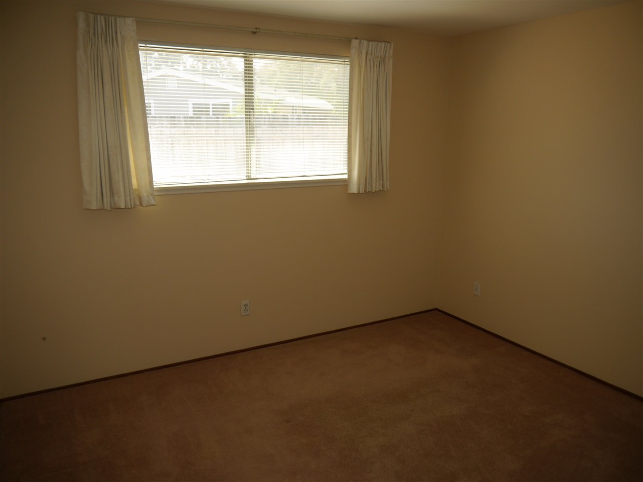 Photo 19: CLAIREMONT House for sale : 3 bedrooms : 7065 Cosmo Ct. in San Diego