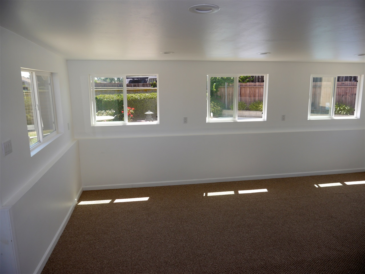Photo 18: CLAIREMONT House for sale : 3 bedrooms : 7065 Cosmo Ct. in San Diego