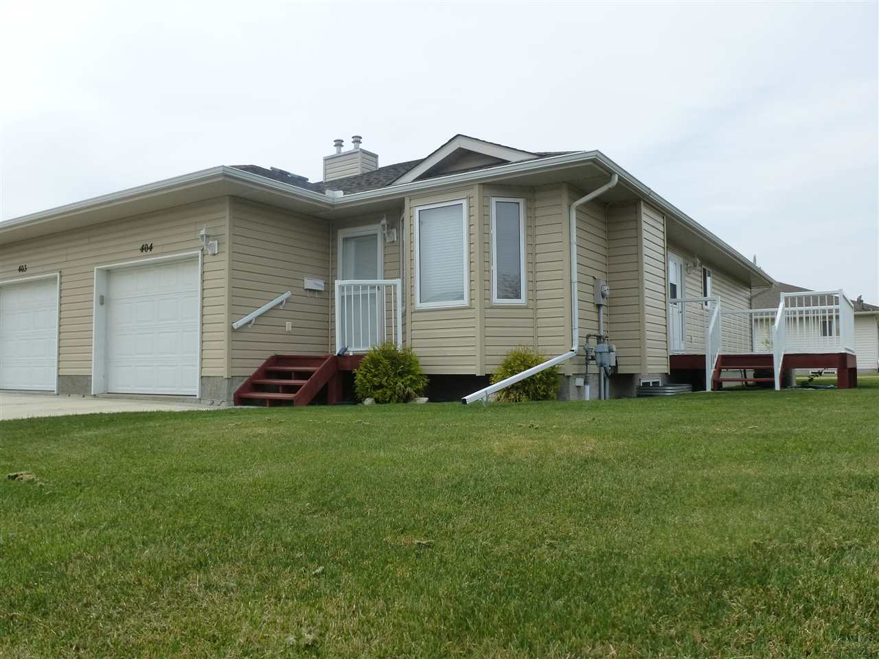 Main Photo: 404 7001 Northview Drive: Wetaskiwin House Half Duplex for sale : MLS® # E4050447