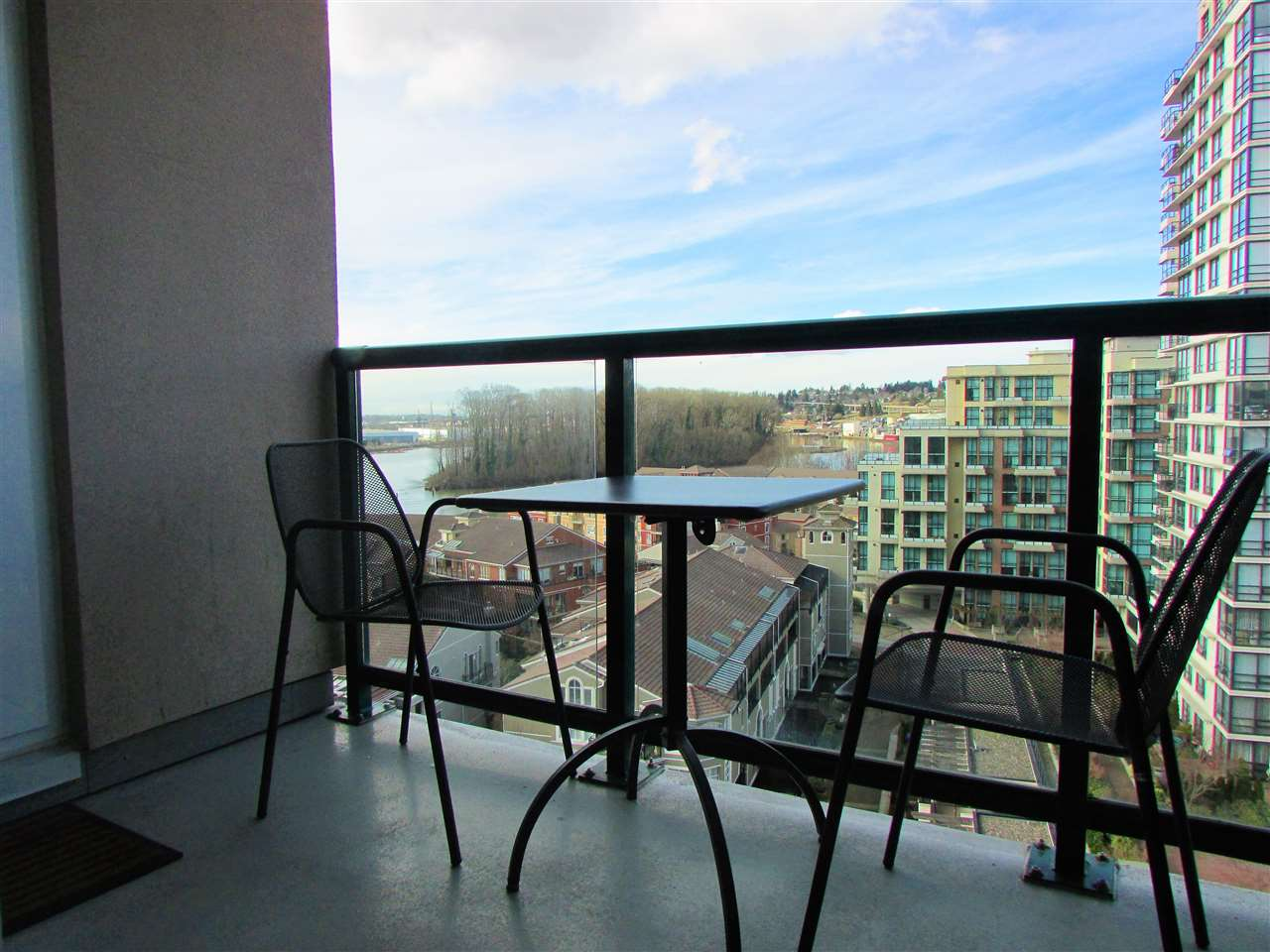 "Photo 2: 1207 10 LAGUNA Court in New Westminster: Quay Condo for sale in ""Laguna Landing"" : MLS® # R2140406"
