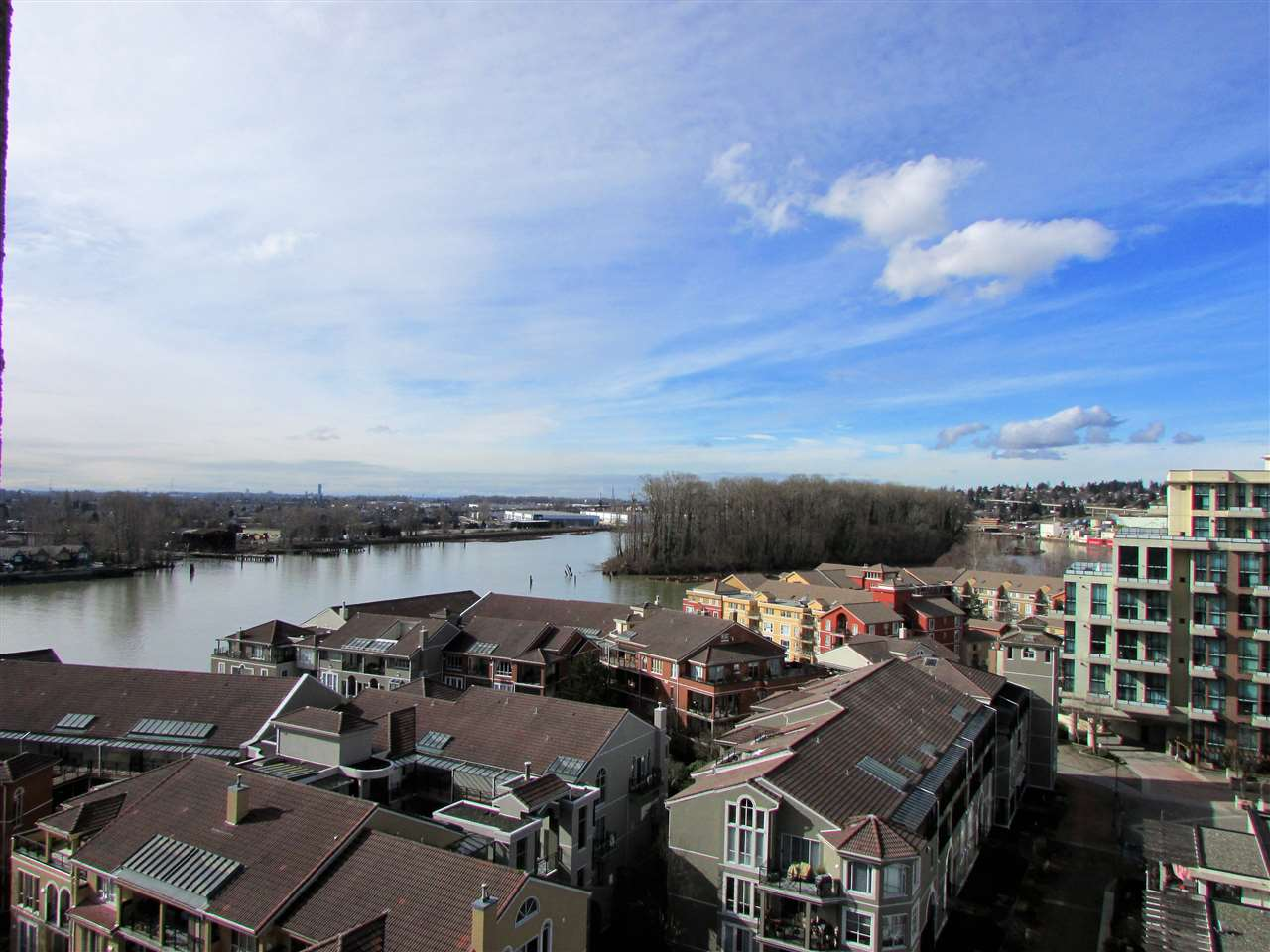 "Main Photo: 1207 10 LAGUNA Court in New Westminster: Quay Condo for sale in ""Laguna Landing"" : MLS® # R2140406"