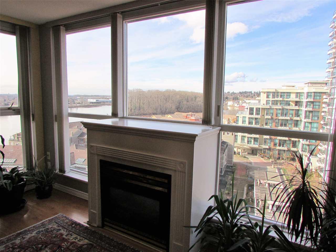 "Photo 4: 1207 10 LAGUNA Court in New Westminster: Quay Condo for sale in ""Laguna Landing"" : MLS® # R2140406"
