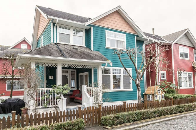 "Main Photo: 9 6333 PRINCESS Lane in Richmond: Steveston South Townhouse for sale in ""LONDON LANDING"" : MLS®# R2148610"