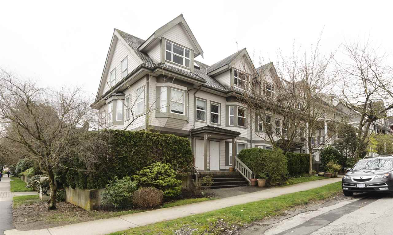 "Main Photo: 2208 ST. GEORGE Street in Vancouver: Mount Pleasant VE Townhouse for sale in ""ST. GEORGE PLACE"" (Vancouver East)  : MLS(r) # R2156801"