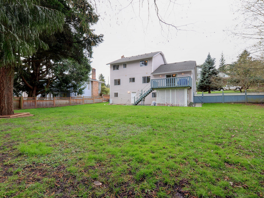 Photo 22: 646 Cairndale Road in VICTORIA: Co Triangle Single Family Detached for sale (Colwood)  : MLS(r) # 376965