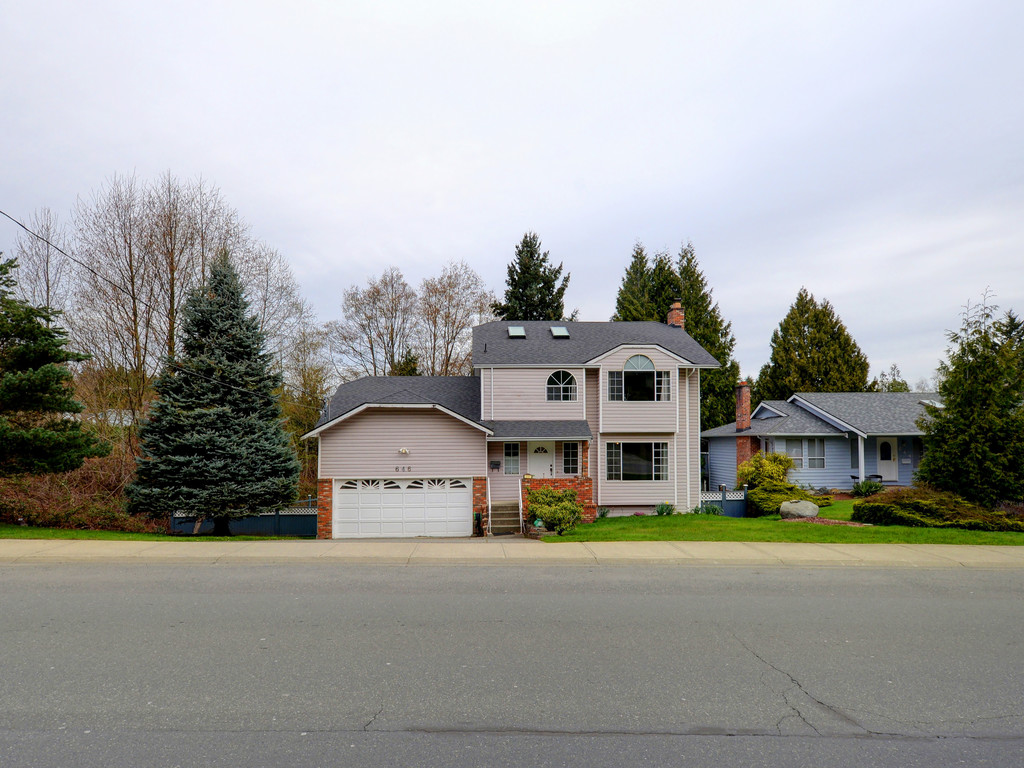Photo 23: 646 Cairndale Road in VICTORIA: Co Triangle Single Family Detached for sale (Colwood)  : MLS(r) # 376965