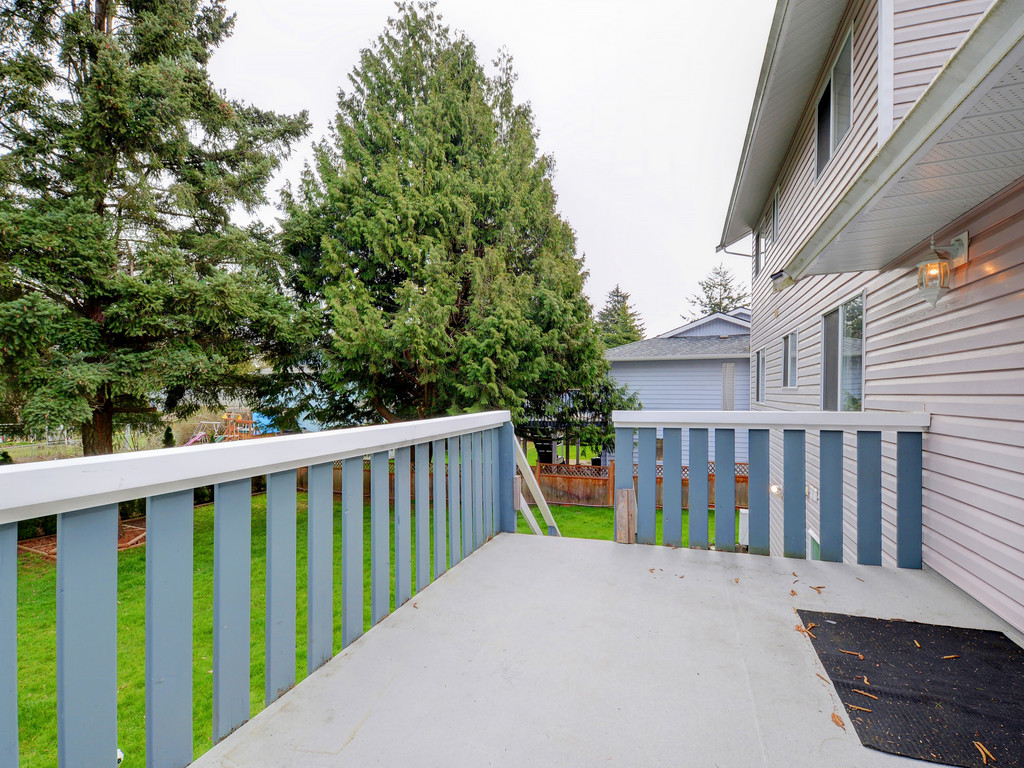 Photo 21: 646 Cairndale Road in VICTORIA: Co Triangle Single Family Detached for sale (Colwood)  : MLS(r) # 376965