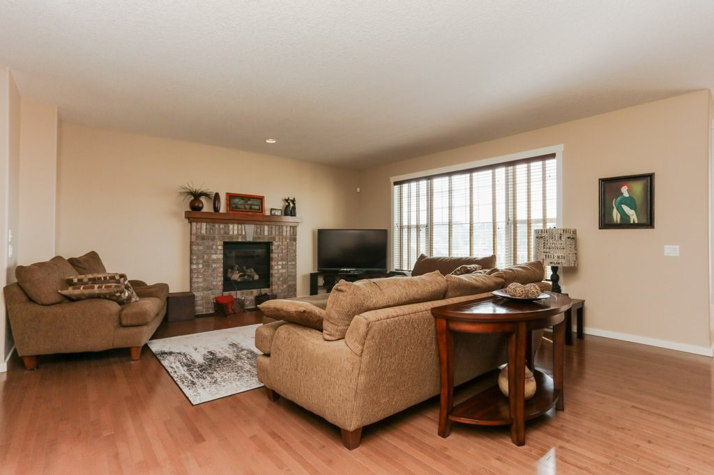 Photo 13: 1335 KAPYONG Avenue in Edmonton: Zone 27 House for sale : MLS(r) # E4061640