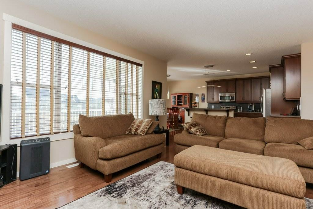 Photo 14: 1335 KAPYONG Avenue in Edmonton: Zone 27 House for sale : MLS(r) # E4061640
