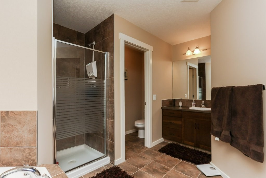 Photo 20: 1335 KAPYONG Avenue in Edmonton: Zone 27 House for sale : MLS(r) # E4061640