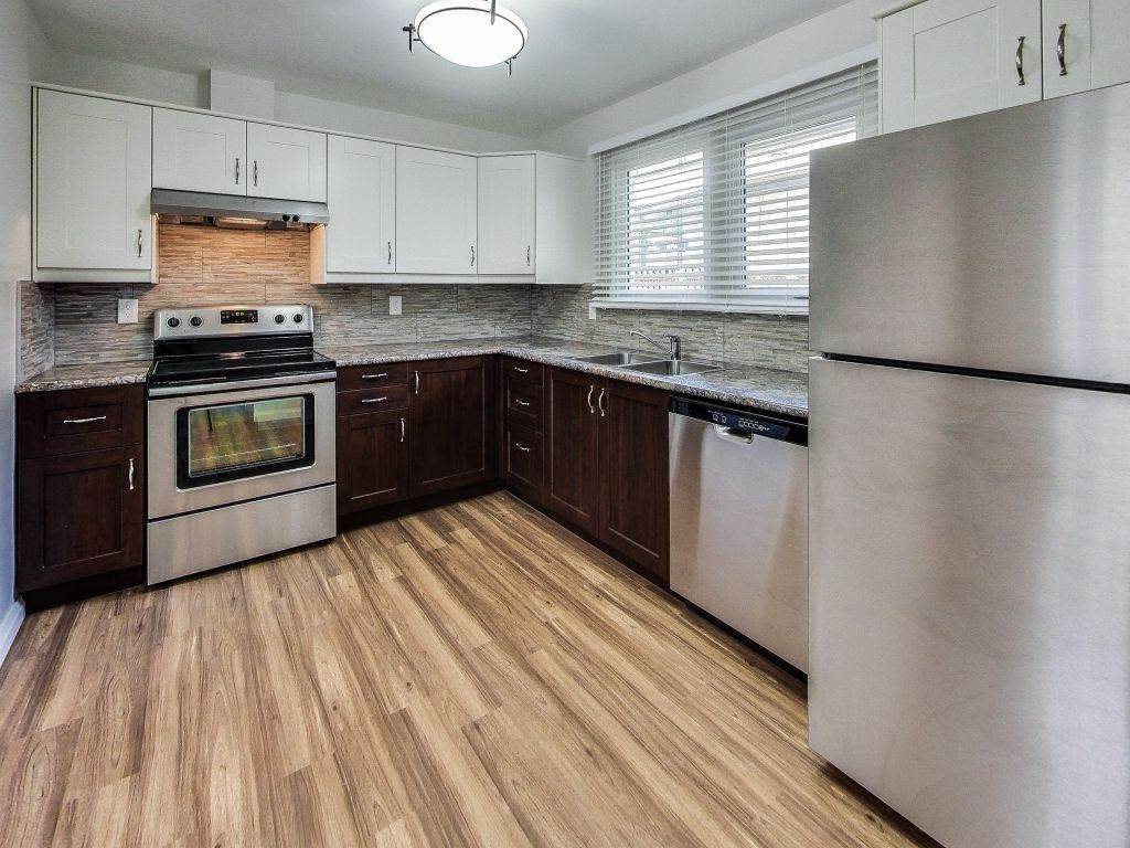 Main Photo: 11720 GROAT Road in Edmonton: Zone 07 House for sale : MLS(r) # E4064406