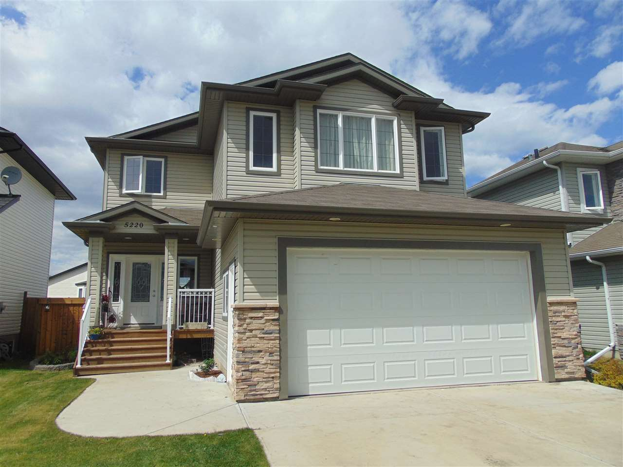 Main Photo: 5220 39 Avenue: Gibbons House for sale : MLS(r) # E4066111