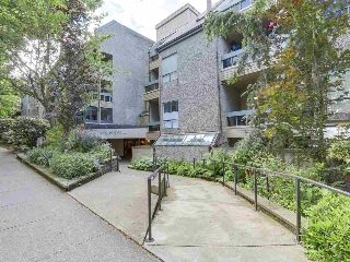 "Main Photo: 224 1500 PENDRELL Street in Vancouver: West End VW Condo for sale in ""PENDRELL MEWS"" (Vancouver West)  : MLS(r) # R2178103"