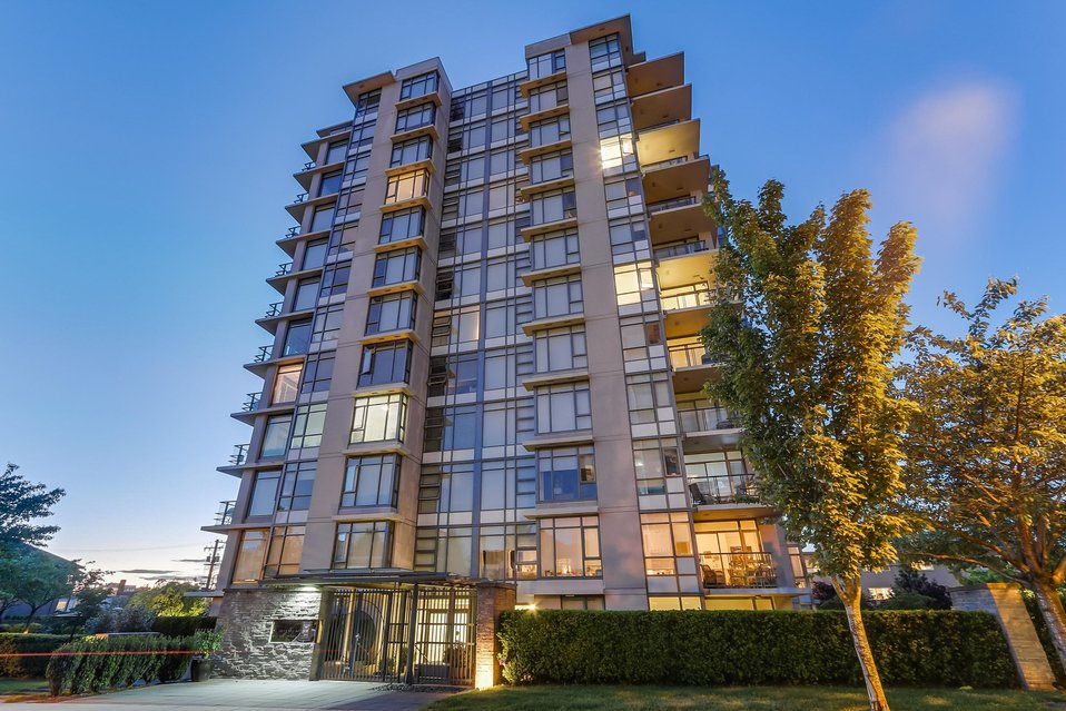 "Main Photo: 703 1333 W 11TH Avenue in Vancouver: Fairview VW Condo for sale in ""Sakura"" (Vancouver West)  : MLS® # R2179532"