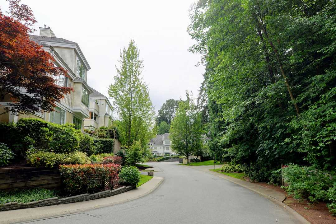 "Photo 19: 222 6820 RUMBLE Street in Burnaby: South Slope Condo for sale in ""THE MANSION"" (Burnaby South)  : MLS® # R2183095"