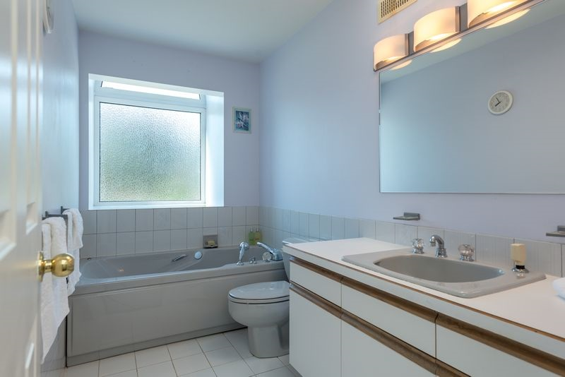 Photo 12: 7826 GRAHAM Avenue in Burnaby: East Burnaby House for sale (Burnaby East)  : MLS® # R2184982