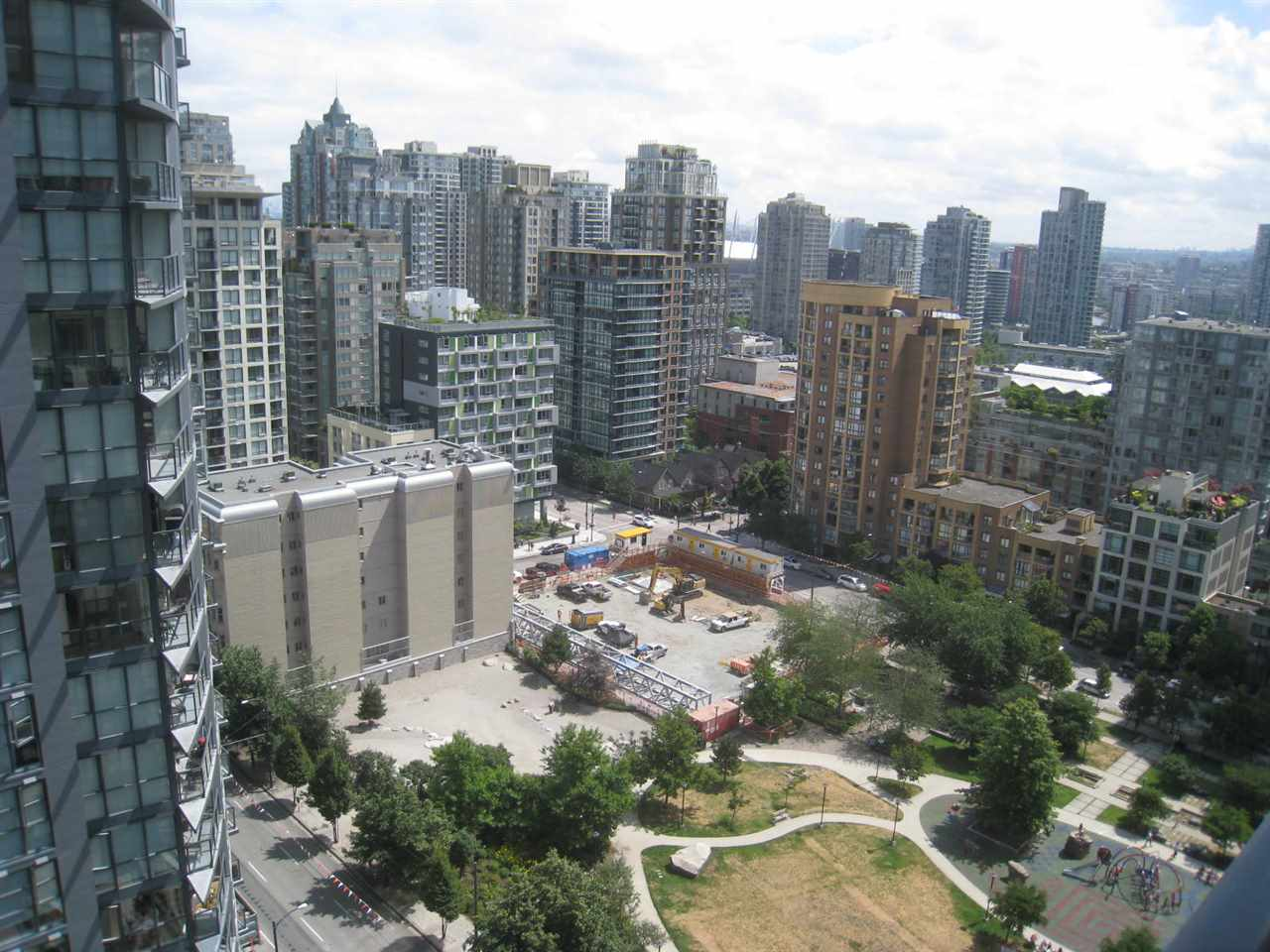 "Main Photo: 1903 1199 SEYMOUR Street in Vancouver: Downtown VW Condo for sale in ""Brava"" (Vancouver West)  : MLS® # R2191083"