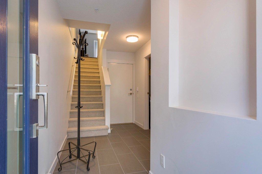 "Photo 26: 40 2310 RANGER Lane in Port Coquitlam: Riverwood Townhouse for sale in ""Fremont Blue by Mosaic"" : MLS® # R2195292"