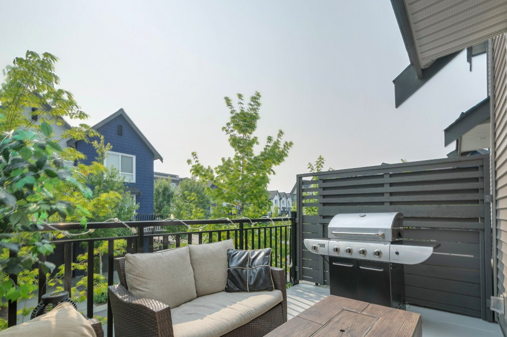 "Photo 9: 40 2310 RANGER Lane in Port Coquitlam: Riverwood Townhouse for sale in ""Fremont Blue by Mosaic"" : MLS® # R2195292"