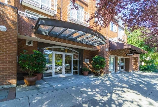 "Main Photo: 364 5790 EAST Boulevard in Vancouver: Kerrisdale Townhouse for sale in ""THE LAUREATES"" (Vancouver West)  : MLS® # R2202572"