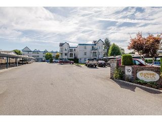 "Main Photo: 210 45504 MCINTOSH Drive in Chilliwack: Chilliwack W Young-Well Condo for sale in ""VISTA VIEW"" : MLS® # R2211484"