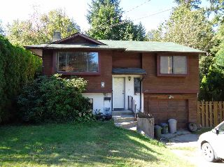 Main Photo: 21091 LAKEVIEW Crescent in Hope: Hope Kawkawa Lake House for sale : MLS® # R2211612