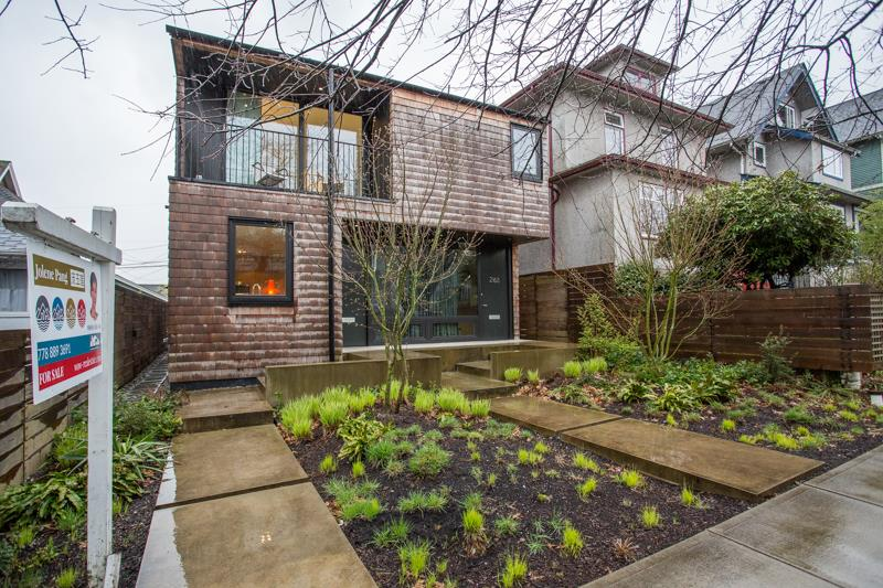 Main Photo: 2178 E 3RD Avenue in Vancouver: Grandview VE House 1/2 Duplex for sale (Vancouver East)  : MLS®# R2268595