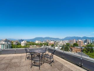 "Main Photo: 206 1445 MARPOLE Avenue in Vancouver: Fairview VW Condo for sale in ""Hycroft Towers"" (Vancouver West)  : MLS®# R2282720"