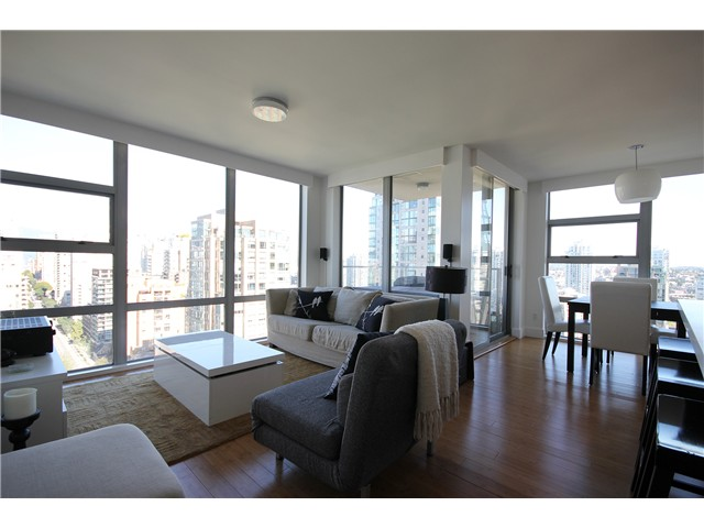 Photo 3: 2202 1225 RICHARDS Street in Vancouver: Downtown VW Condo for sale (Vancouver West)  : MLS® # V971303