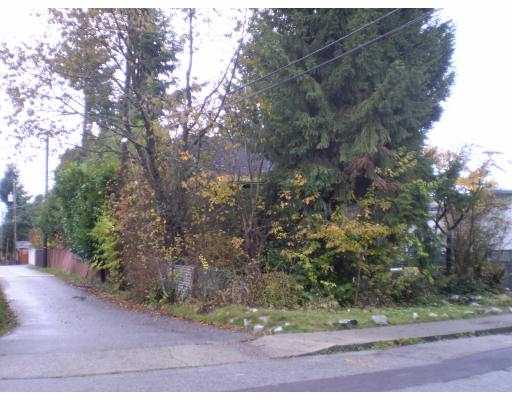 Photo 2: 7425 2ND Street in Burnaby: East Burnaby House for sale (Burnaby East)  : MLS® # V979728