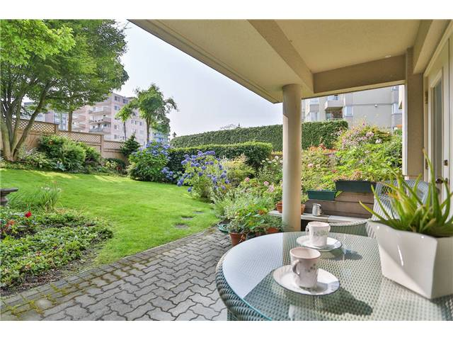 Main Photo: B3 2202 MARINE Drive in West Vancouver: Dundarave Condo for sale : MLS®# V966905