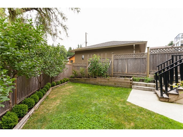 Photo 14: 178 N STRATFORD Avenue in Burnaby: Capitol Hill BN House for sale (Burnaby North)  : MLS® # V1044108