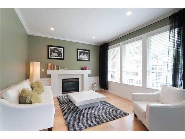 Photo 4: 178 N STRATFORD Avenue in Burnaby: Capitol Hill BN House for sale (Burnaby North)  : MLS® # V1044108