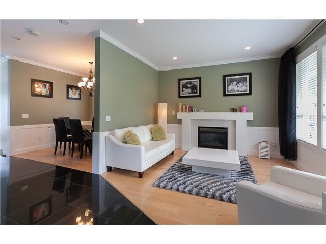 Photo 5: 178 N STRATFORD Avenue in Burnaby: Capitol Hill BN House for sale (Burnaby North)  : MLS® # V1044108