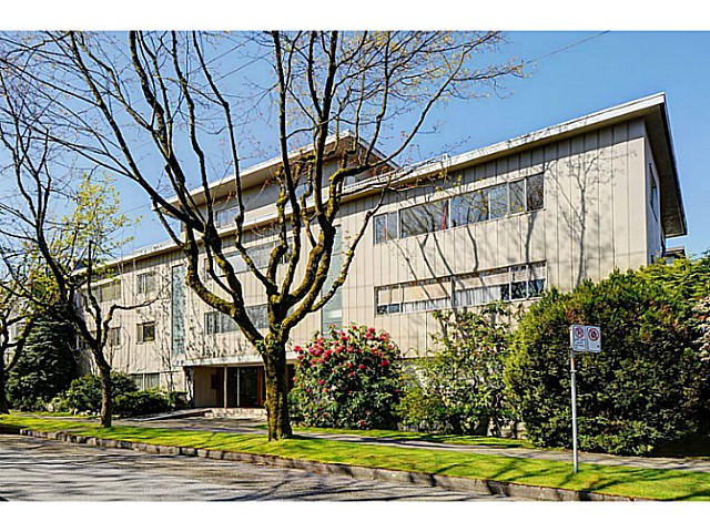 "Main Photo: 303 2825 SPRUCE Street in Vancouver: Fairview VW Condo for sale in ""Fairview"" (Vancouver West)  : MLS(r) # V1053571"