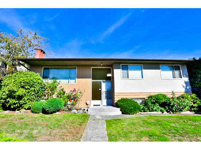 Main Photo: 7862 ROYAL OAK Avenue in Burnaby: South Slope House for sale (Burnaby South)  : MLS®# V1142093