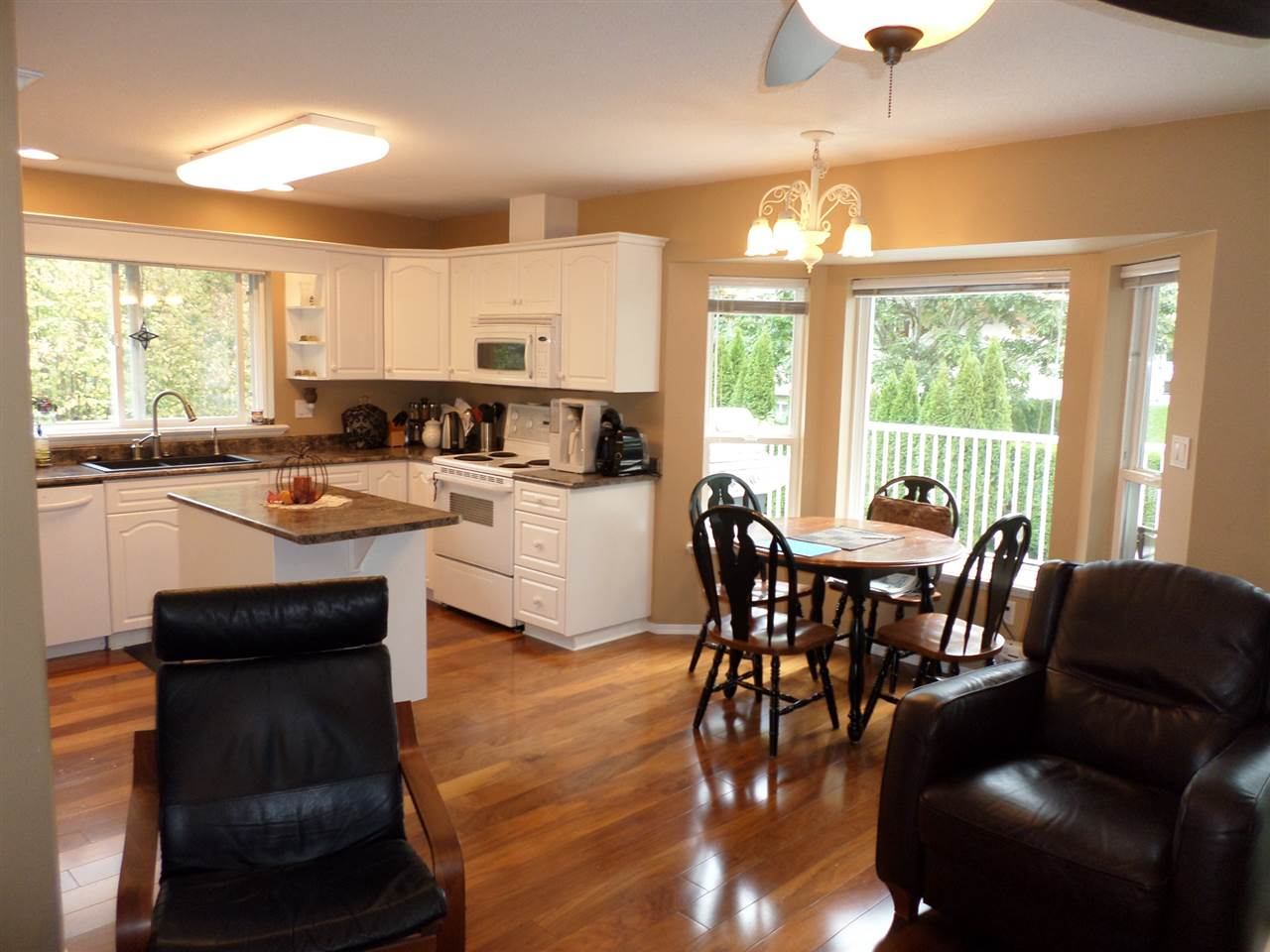 "Photo 5: 3968 PARADISE Place in Abbotsford: Abbotsford East House for sale in ""Sandyhill"" : MLS® # R2001295"